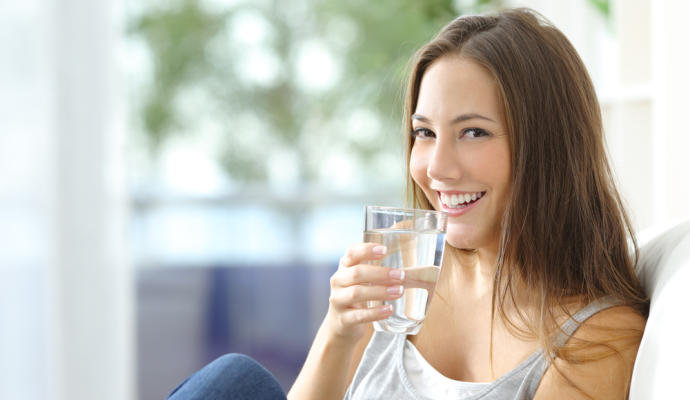 Beber agua consejos para bajar de peso