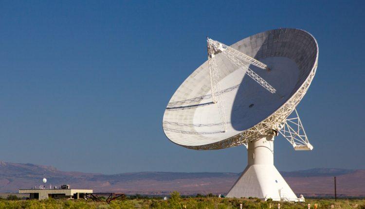 Señales de radio podrían indicar la presencia de planetas ocultos